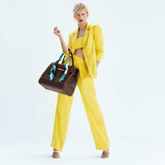 10328 5 Karolina Kurkova Changing Bag.w812