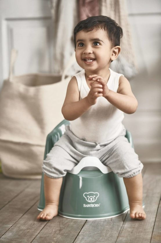 Babybjorn Potty Chair Deep Green White 055268 002 1