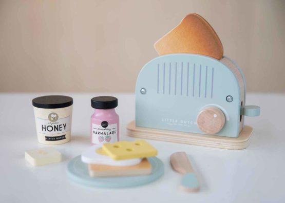 4461 Wooden Toaster Set 2