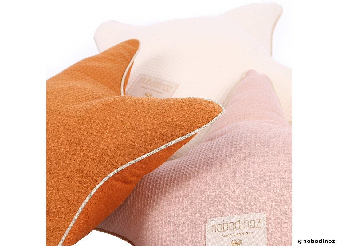Aristote Star Cushion Coussin Etoile Cojin Estrella Combinaison Sunset Pink Nobodinoz 2 90cc8baf 6c45 4e5c Ab86 6c383e4360e8