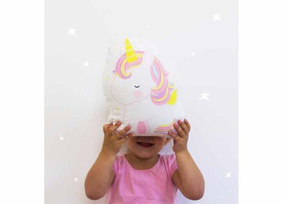 Maksilari Unicorn A Little Loving Company Middle 1000 1275194