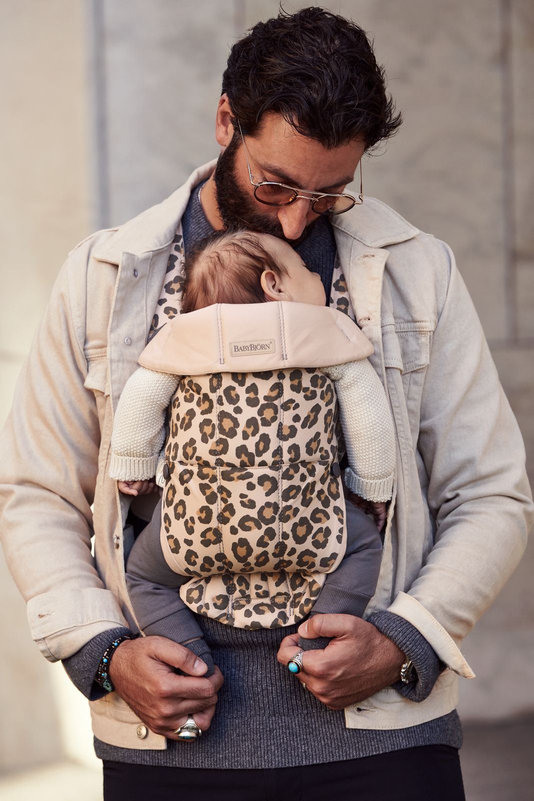 Vyrp11 366021075 Baby Carrier Mini Leo Cotton Lifestyle Babybjorn 7 Medium
