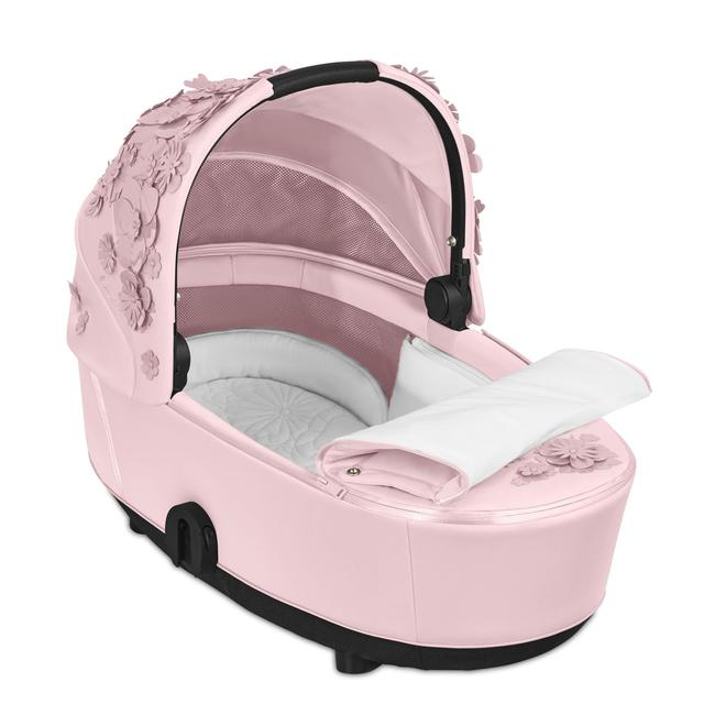02 CYB 20 MiosLuxCarryCot INT SFLP Y315 SF InsideView Cotton Button Screen HD 640×640